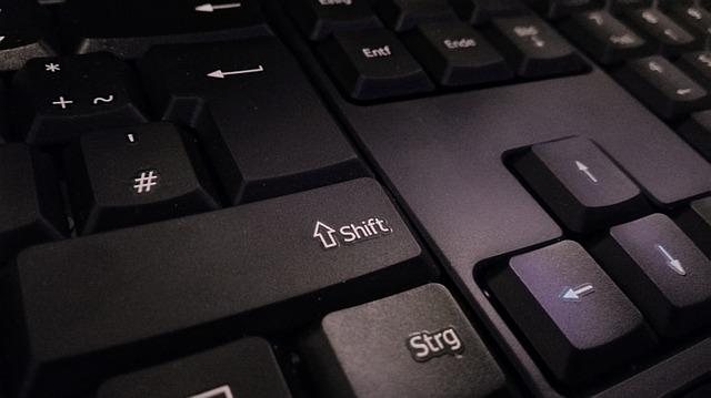 keyboard-1621104_640