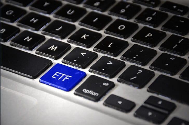 知らなきゃ損!株初心者でも稼げるETF(上場投資信託)投資と、おすすめ銘柄